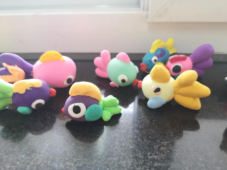 小学预科班的小巧手——纸黏土小动物制作